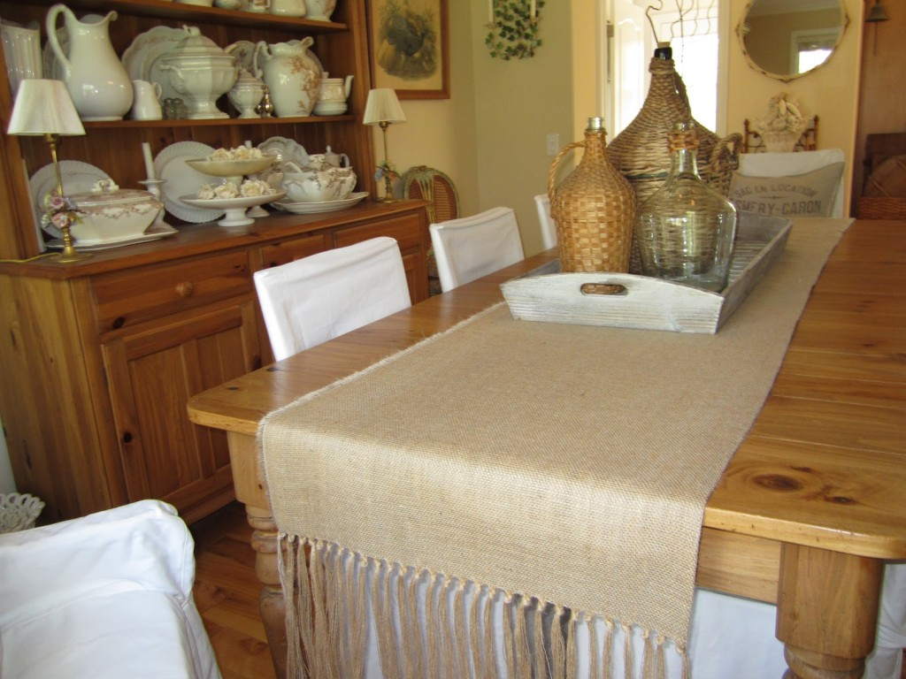 how to burlap table runner